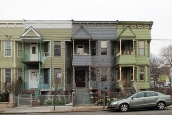 How to Apply for Emergency Low-Income Housing Online