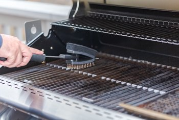 How to Clean Grill Grates With Oven Cleaner