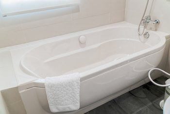 How Long Does Bathtub Reglazing Last?