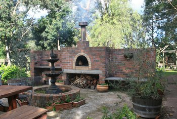 How to Build a Brick BBQ Pit Without Mortar