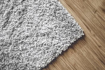 Non-Toxic Ways to Get Rid of Fleas From the Carpet