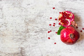 The Benefits of Cranberry & Pomegranate