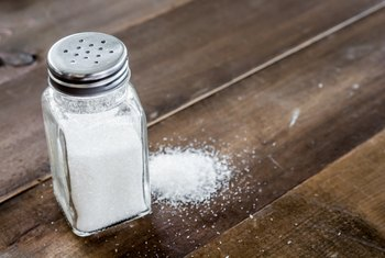 How Many Grams of Sodium Are in Table Salt?