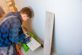 How to Use Spacers Along the Wall for Laminate