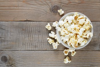 How Should Popcorn Be Served to Make It a Healthy Snack?