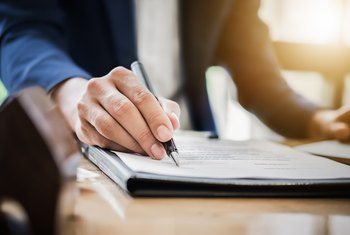 Advantages and Disadvantages of Management Contracts