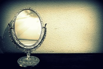 How to Identify Antique Mirrors