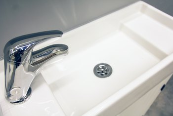 Pros and Cons of Acrylic Sinks
