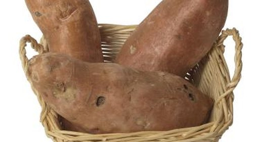 <p>Maximize your harvest by choosing companion plants for yams.</p>