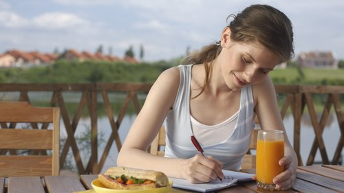 <p>A food journal can help you track your calorie balance.</p>