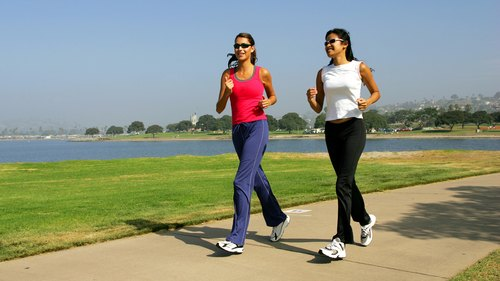 <p>Keeping up a regular exercise routine can be easier with friends.</p>