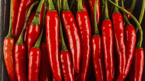 <p>Cayenne peppers are packed with heat.</p>