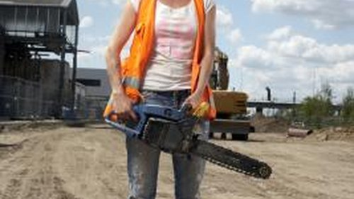 <p>A clean chainsaw is safer to use and works more efficiently.</p>
