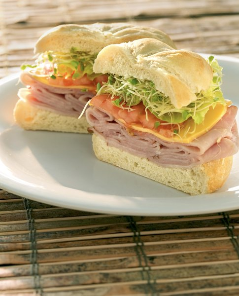 Deli chicken meat makes healthful sandwiches.